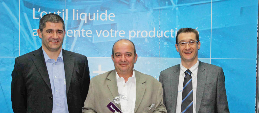 Innovation-securite-en-fer-de-lance-usinage-lubrification_remise-trophee-sagem