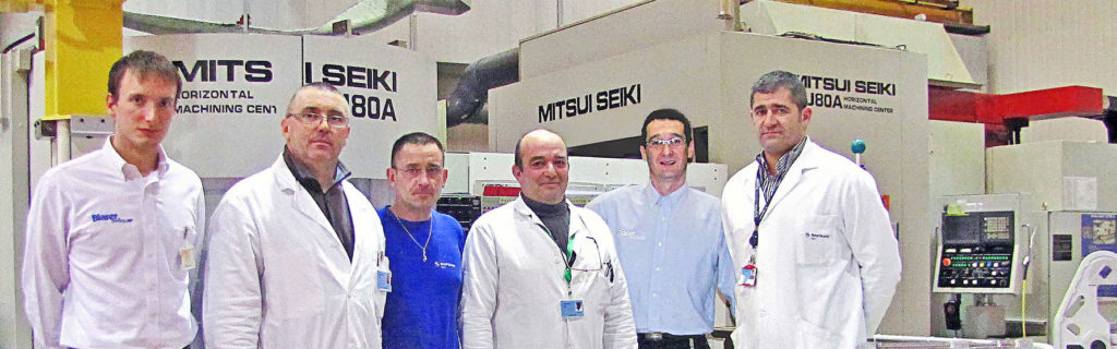 Unite-Industrielle-Mecanique-de-Sagem-Montluçon-reçoit-le-trophee-Blaser_equipe-Sagem-trophee-blaser