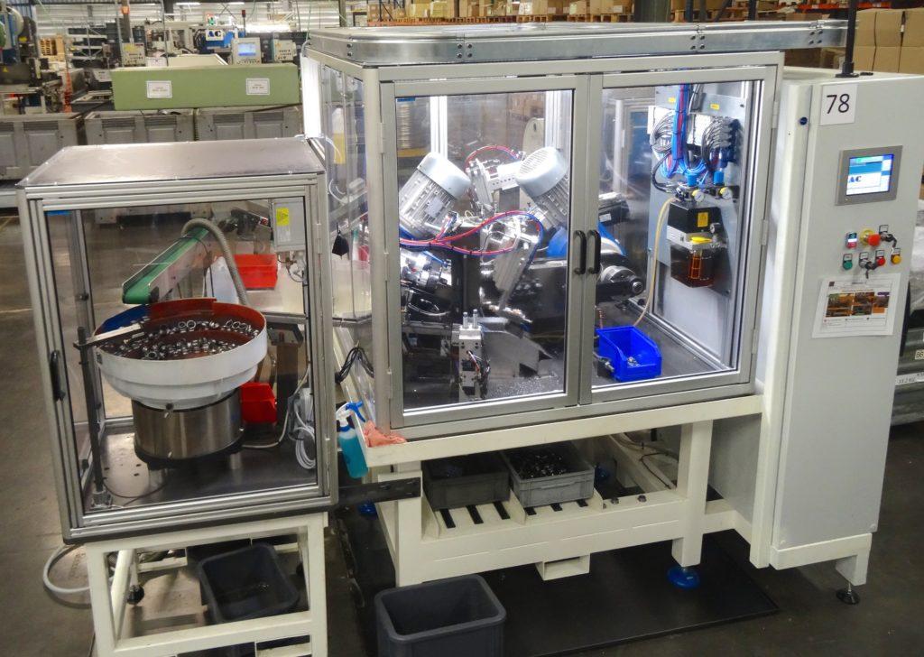 Machine crantage cuvette pour de meilleures performances en lubrification